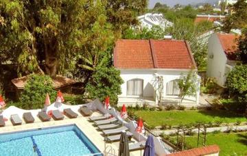 Severní Kypr: Kyrenia z Prahy v září na 7 nocí se snídaněmi za 5 410 Kč!
