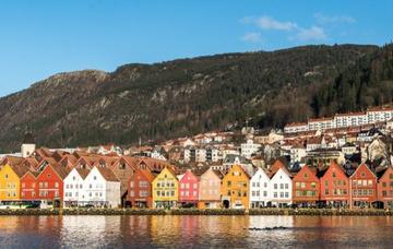 Bergen z Vídně v říjnu za 1 030 Kč/zpáteční letenka! Pro členy WIZZ Discount clubu již od 644 Kč!