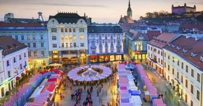 Poznávací zájezd do Bratislavy s návštěvou adventních trhů za 549 Kč!