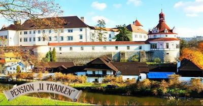 Romantický pobyt v Jindřichově Hradci pro 2 osoby na 3 dny s polopenzí za 2 185 Kč!