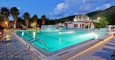 Itálie: Kalábrie z Bratislavy v luxusním apartmánu v září na 7 nocí s polopenzí za 11 790 Kč!