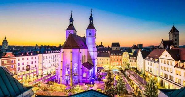 Za adventními trhy do Regensburgu za 549 Kč!