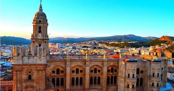 Jih Španělska v listopadu: Malaga z Berlína za 30 Eur/zpáteční letenka!
