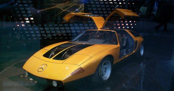Zájezd na autosalon v Ženevě se vstupenkou za 1 529 Kč!