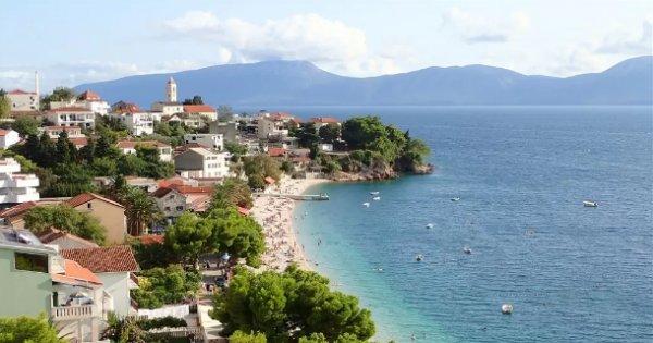 Chorvatsko: Makarská riviéra v srpnu z Ostravy na 7 nocí s polopenzí za 9 980 Kč!