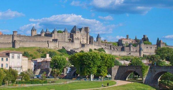 Podzim: Toulouse + Carcassonne z Prahy od 9 Eur jednosměrná letenka