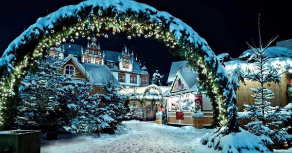 Dánský Copenhagen z Vídně od 20 Eur/zpáteční letenka! Objevte okouzlující vánoční trhy a atmosféru!