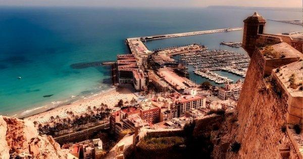 Z Pardubic do Alicante v květnu za 1158 Kč