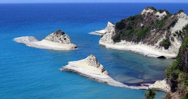 Řecko: Korfu z Brna na 7 nocí s polopenzí za 11 990 Kč! Odlet 27. července!