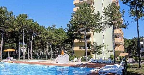 Itálie: Bibione na 8 dní v apartmánové rezidenci s bazénem za 473 Kč!