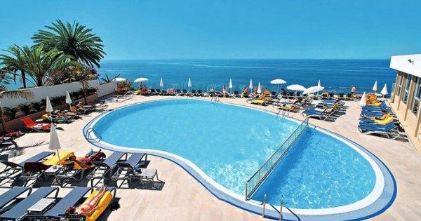 Portugalsko: Madeira z Prahy na 7 nocí se snídaní v luxusním hotelu za 9 990 Kč! Odlet již 28. 8.!