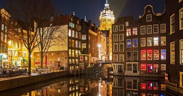 Koncert Bryana Adamse a Festival světel v Amsterdamu