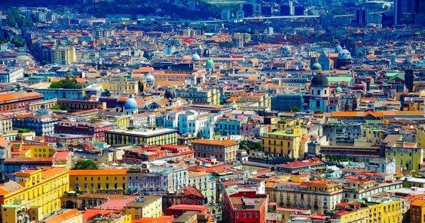Itálie: Neapol z Vídně v březnu již od 502 Kč/ zpáteční letenka!