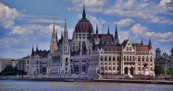 Praha - Budapešť za 518 Kč/zpáteční letenka! Podzimní a zimní termíny!