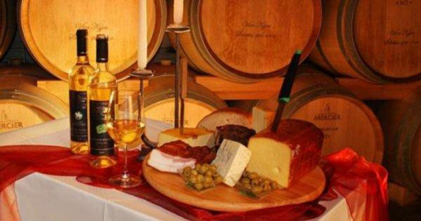 Za vínem na jih Moravy - na 5 dní pro 2 osoby s polopenzí a degustací vín za 5 590 Kč!