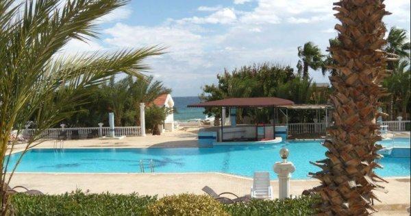 Kypr z Brna v květnu na 8 dní ve vilce u moře s polopenzí za 9 990 Kč!
