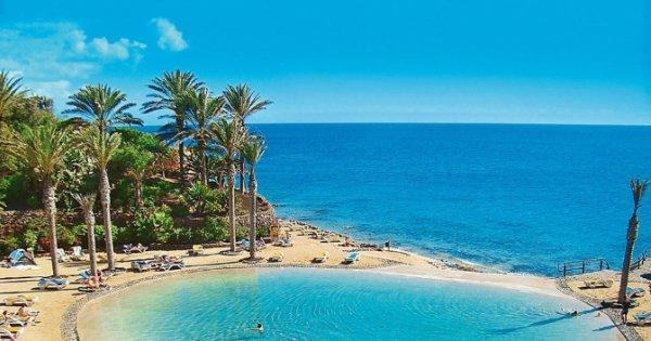 Fuerteventura z Prahy na 8 dní s polopenzí v luxusním 5* hotelu za 10 490 Kč, sleva 53 %