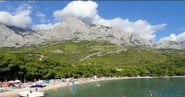 Chorvatsko: Střední Dalmácie letecky z Ostravy na 7 nocí s polopenzí za 7 480 Kč! Odlet 27. 7. 2019!
