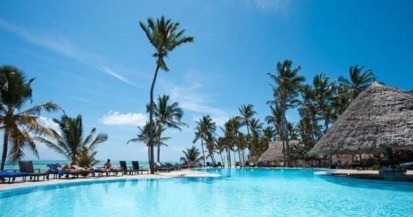 Ráj na Zanzibaru: 5* hotel s polopenzí přímo u pláže letecky z Prahy za 22 790 Kč! Sleva 45 %!