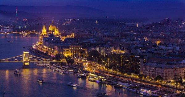 Poznávací zájezd do adventní Budapešti s koupáním v termálech na 2 dny/ 1 noc za 1 899 Kč!
