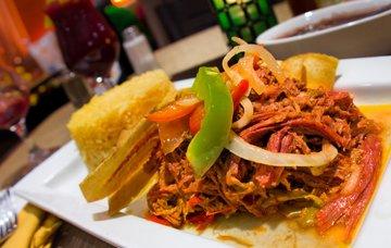 Dominikánská kuchyně – nejznámější jídla, pití a jejich ceny