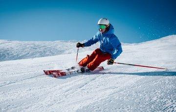 Kam za netradičním lyžováním? Objevte lyžování v Gruzii, Rumunsku, Bulharsku nebo Japonsku