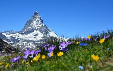 Tipy na aktivity ve Švýcarsku – lyžování, jezera a památky