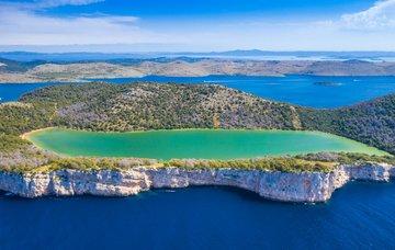 Chorvatsko: kouzelná jezera, která lákají nejen ke koupání
