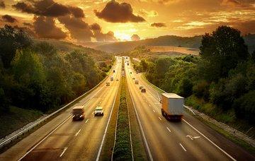 Maďarsko autem: nejlepší trasa, dálniční poplatky a další užitečné tipy