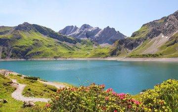 Jezera v Rakousku nadchnou sportovce i milovníky romantiky