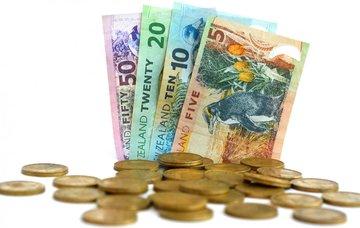 Peníze na Novém Zélandu – měna, ceny, směnárny a bankomaty