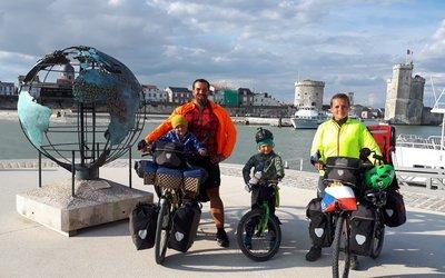 Půlroční cesta Evropou na kolech v podání čtyřčlenné rodiny Berkových
