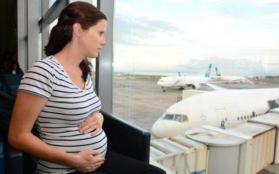 Vše o cestování a cestovním pojištění v těhotenství