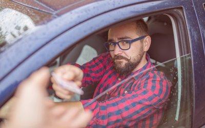 Mezinárodní řidičský průkaz – kdy ho potřebujete, kde ho zařídíte a na co si dát pozor?