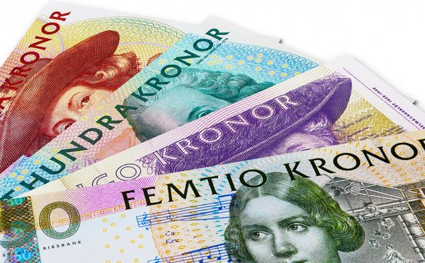 Čím a jak platit ve Švédsku – měna, směna, bankomaty a ceny