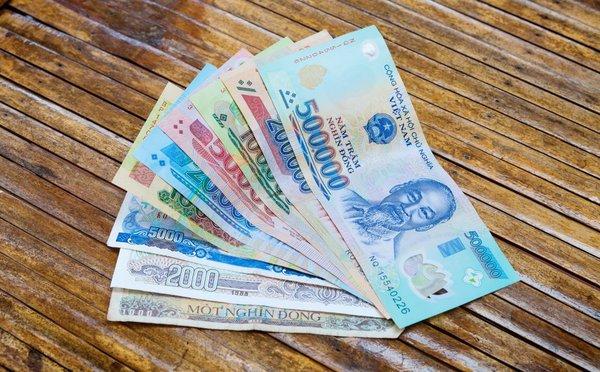Jak platit ve Vietnamu - kurz, směna, výběr peněz a ceny