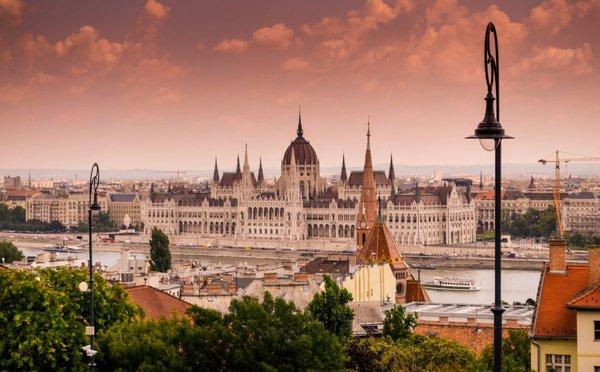 Tipy na aktivity v Maďarsku – bohatá historie, termální lázně, rodinné aktivity i noční život