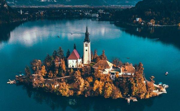Nejkrásnější místa Slovinska, kde se snoubí bohatá historie s okouzlující přírodou