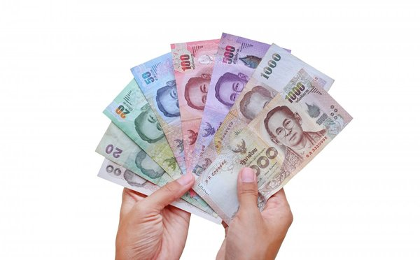 Čím platit v Thajsku, kde měnit peníze, kurz bahtu a ceny