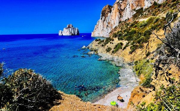 Ostrov Sardínie: Ráj jako stvořený kodpočinku na pláži