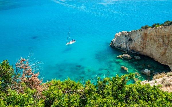 Zelená perla uprostřed Jónského moře, to je řecký ostrov Kefalonie