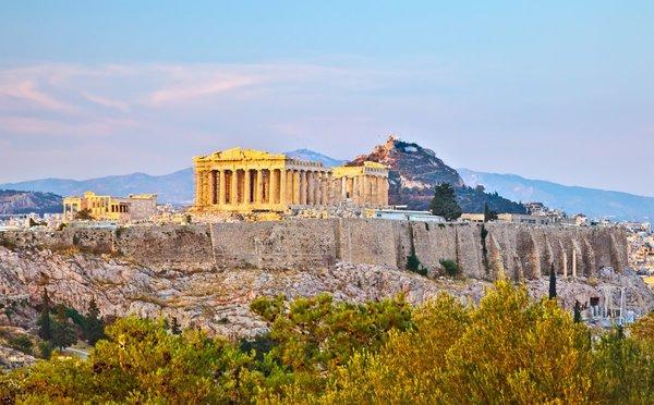 Nebaví vás sychravý podzim? Vydejte se za poznáváním do řeckých Athén