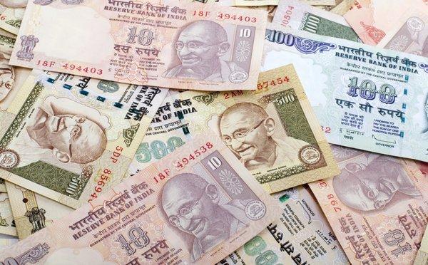 Měna, výměna peněz a kreditní karty při cestách po Indii
