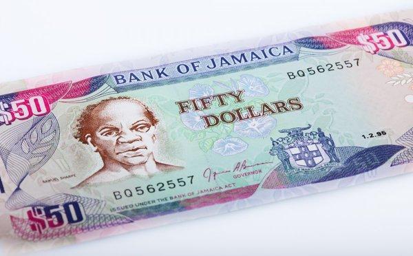Čím a jak platit na Jamajce