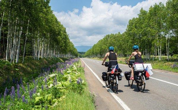 Na kolech napříč Japonskem aneb netradiční líbánky českých novomanželů