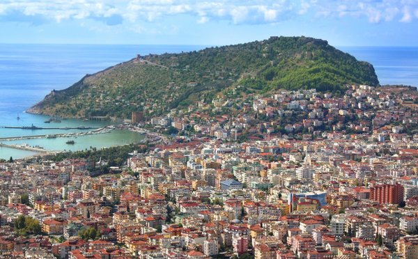 Turecká Alanya, krásné pláže i město, kde poznáte obyčejný život Turků