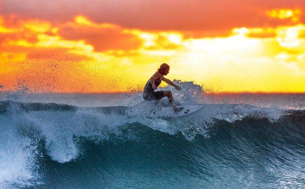 Tipy na aktivity v Indonésii – ráj pro surfaře i nezaměnitelné památky