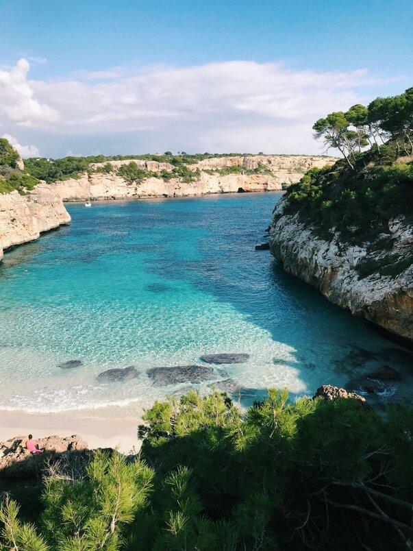 Pláž Cala dello Zingaro na Sicílii