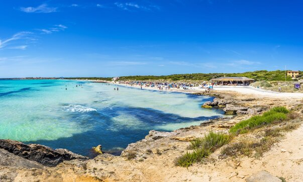 Pláž Playa Ses Covetes na Mallorce