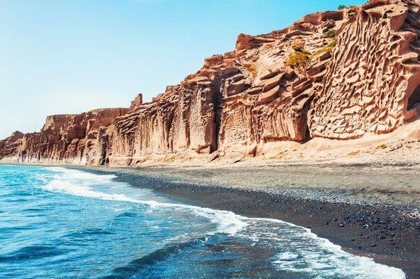 Pláž Vlychada na ostrově Santorini